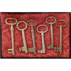 Lot of 6 Spanish colonial iron keys (1600s-1700s), found in Panama Viejo, Panama.