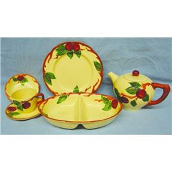 Franciscan Apple dinnerware set, w/accessories