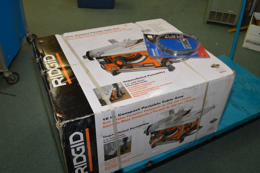 New in box ridgid 10 compact portable table saw and a set of dato image 1 new in box ridgid 10 compact portable table saw and a set greentooth Images