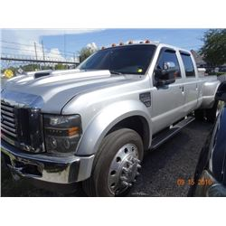 2010 Ford F350 Lariat S.D. 4x4 Crew Cab Pick Up