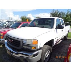 2005 GMC Sierra 2500 HD 4x4 4-Dr. X-Cab Long Bed Pick Up