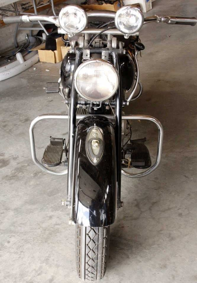 1947 Indian Chief Roadster Motorcycle 1200 V Twin