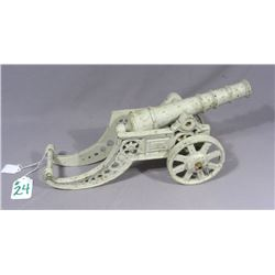 HEAVY SMALL SCALE CAST IRON CANNON