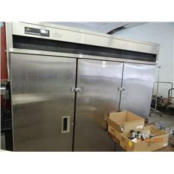 Delfield S/S 3-Door Reach-In Freezer - DOES NOT GET COLD