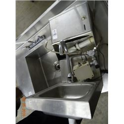 S/S Hand Sink w/Towel Dispenser