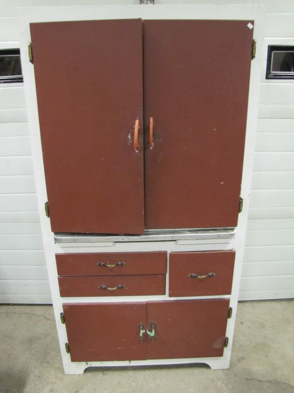 Kitchen cabinet paris sanderson harold co no shipping for Auctions for kitchen cabinets