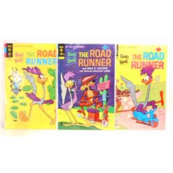 LOT OF 3 VINTAGE ROAD RUNNER COMIC BOOKS - 1 15 CENT COVER