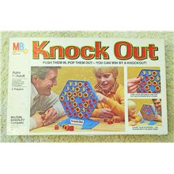 VINTAGE MB KNOCKOUT BOARD GAME IN ORIG. BOX