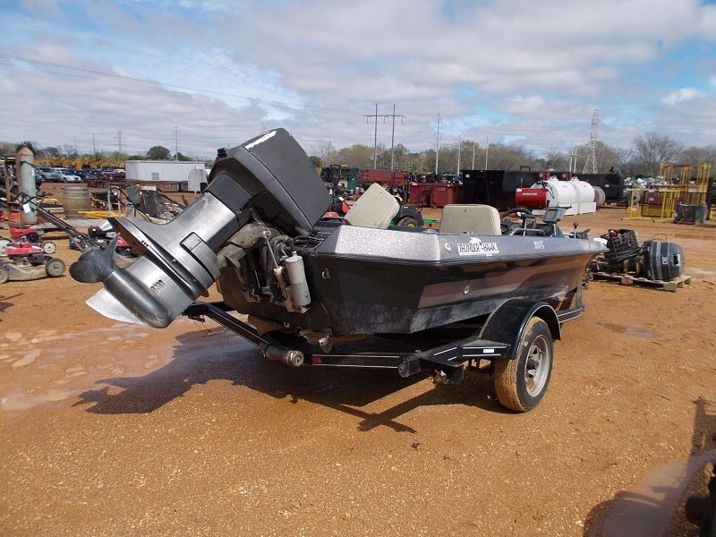 Legend thunder hawk 160t bass boat outboard motor for Bass boats with evinrude motors