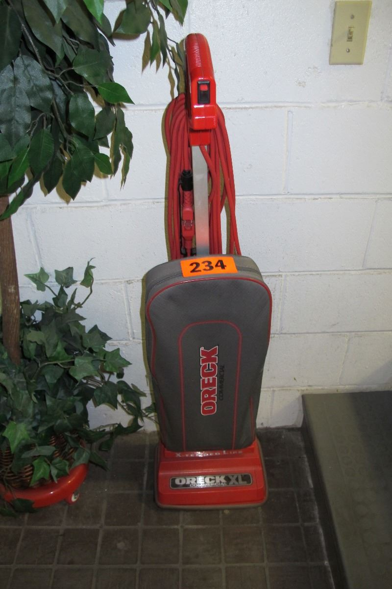 Oreck Xl Upright Commercial Vacuum Cleaner Amp Tall Faux
