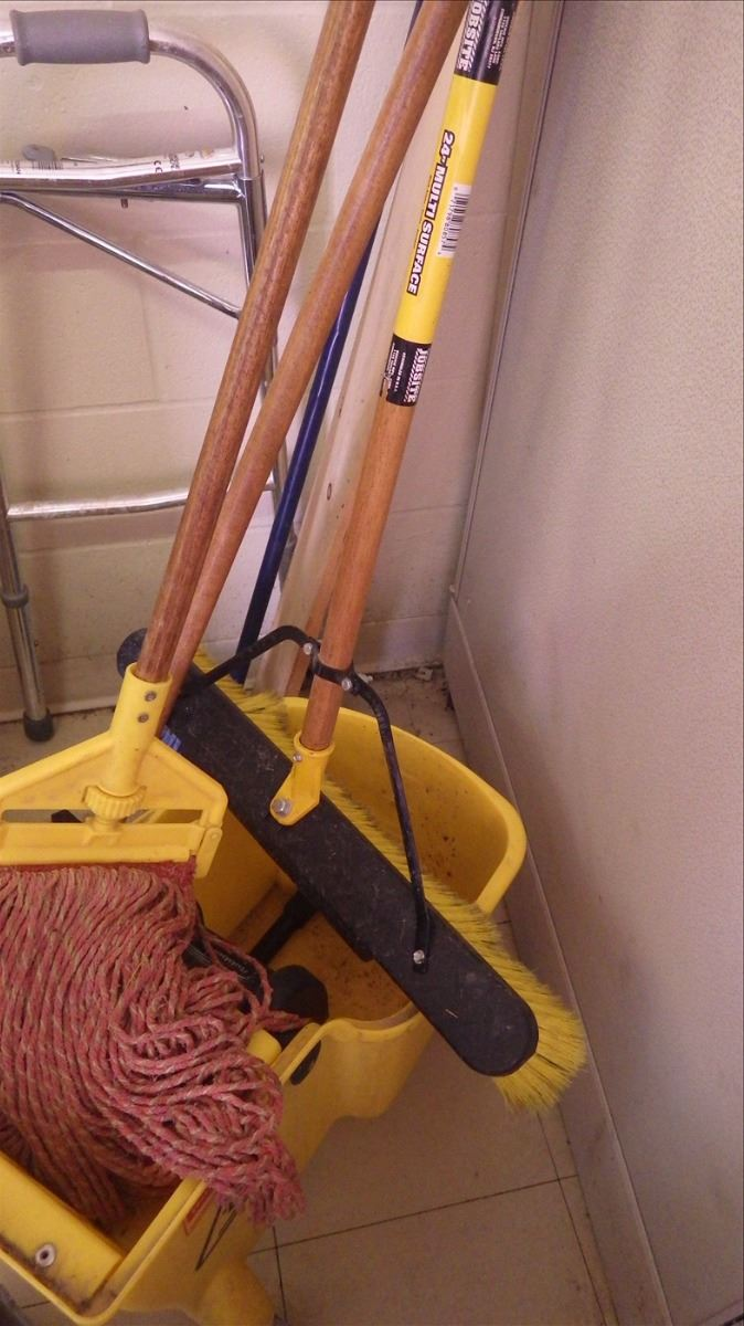 1 Mop Bucket 1 Mop 1 Push Broom 2 Brooms Dust Pan