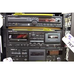 TASCAM CD-A700 CD/TAPE DECK