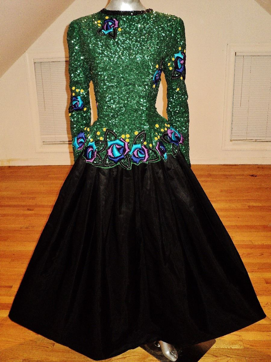 Vintage clothing auctions online