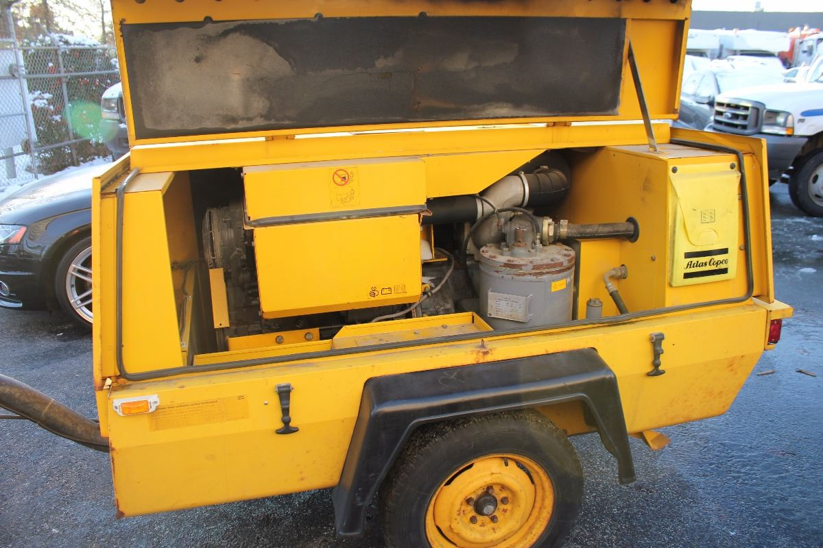 ... Image 2 : ATLAS COPCO XAS 90 PORTABLE AIR COMPRESSOR TRAILER ...