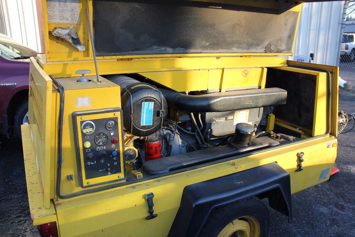 ... Image 5 : ATLAS COPCO XAS 90 PORTABLE AIR COMPRESSOR TRAILER ...