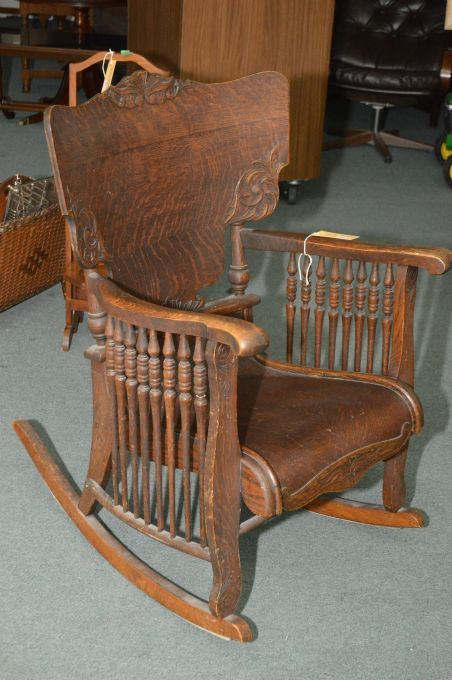 Image 1 : Antique quarter cut oak rocking chair with spindle sides and bend  wood seat - Antique Quarter Cut Oak Rocking Chair With Spindle Sides And Bend