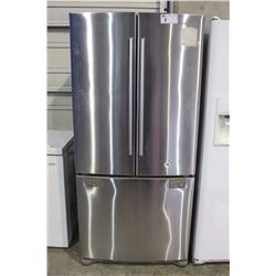 STAINLESS STEEL FRENCH DOOR REFRIGERATOR WITH BOTTOM FREEZER