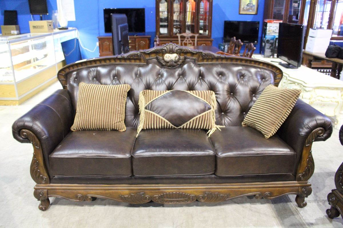 3 PIECE DESIGNER BUTTON BACK LEATHER SOFA SET WITH THROW