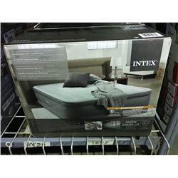 INTEX PREMAIRE QUEEN SIZED AIR BED