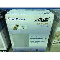 ARTIC KING APARTMENT SIZED CHEST FREEZER - WHITE ( MINOR SCRATCHES & DENTS MAY BE PRESENT)