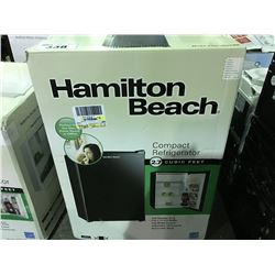 HAMILTON BEACH COMPACT REFRIGERATOR - BLACK ( MINOR SCRATCHES & DENTS MAY BE PRESENT)