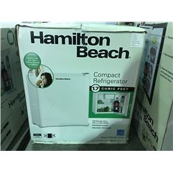 HAMILTON BEACH COMPACT REFRIGERATOR - WHITE ( MINOR SCRATCHES & DENTS MAY BE PRESENT)