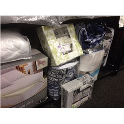 SHELF LOT OF LINENS AND BED IN A BAGS