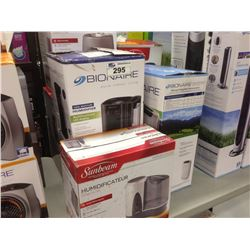 LOT OF HUMIDIFIERS/DEHUMIDIFIERS
