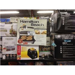 SHELF OF ASSORTED SMALL APPLIANCES INCLUDING A HAMILTON BEACH GRILL AND CROCKPOT
