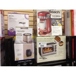 ASSORTED STORE RETURN PRODUCT INCLUDING A HAMILTON BEACH TOASTER OVEN, COFFEE MAKER AND BELLA BLEND