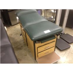 GREEN LEATHER AND WOOD MEDICAL EXAMINATION TABLE WITH ADJUSTABLE SIDE TABLE