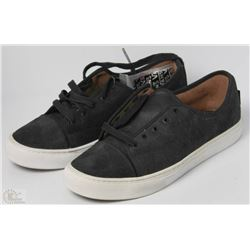 #35-VANS VERSA BLACK SHOES