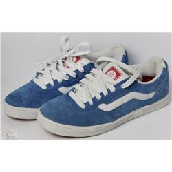 #38-VANS AV3 BLUE AND WHITE SHOES