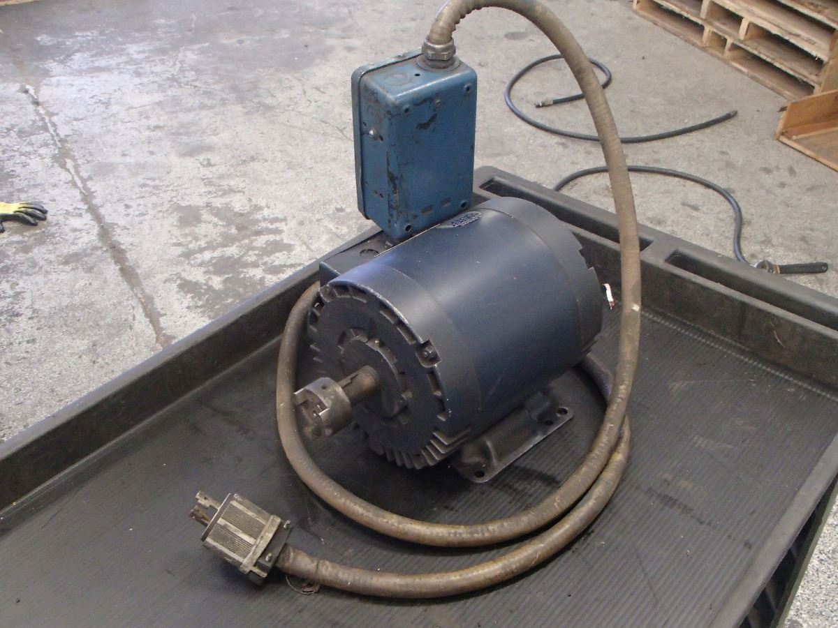 Leeson 3hp Electric Motor 208 230 Volts With On Off