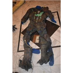 ALIEN DEMON CREATURE SUIT 1