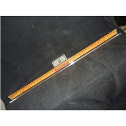 CHILD'S PLAY 2 HERO GOOD GUYS YARDSTICK CHUCKY USES TO KILL MS KETTLEWELL SCREEN USED & MATCHED