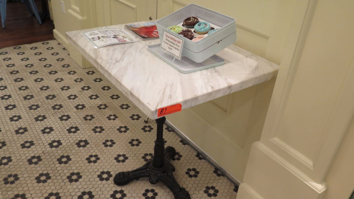 Image 1 : White Solid Marble Table, Wrought Iron Base   Table Only
