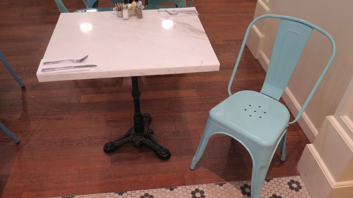 Image 1 : White Solid Marble Table W/Wrought Iron Base + 1 Aqua Chair ...