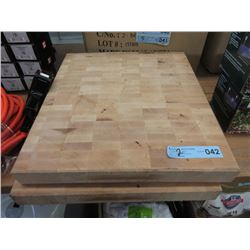 2 Wooden Cutting Boards