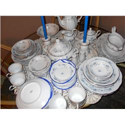 "Johann Haviland ""Blue Garland"" Dinnerware"