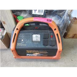 MotoMaster Power box 800 power booster