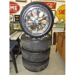 Set of Four 305/45R22 Tires on Rims