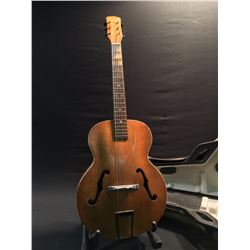 GAYLORD ARTISTIC ACOUSTIC/ELECTRIC GUITAR WITH HARD SHELL CASE, MADE IN 1941, MISSING PICKUP