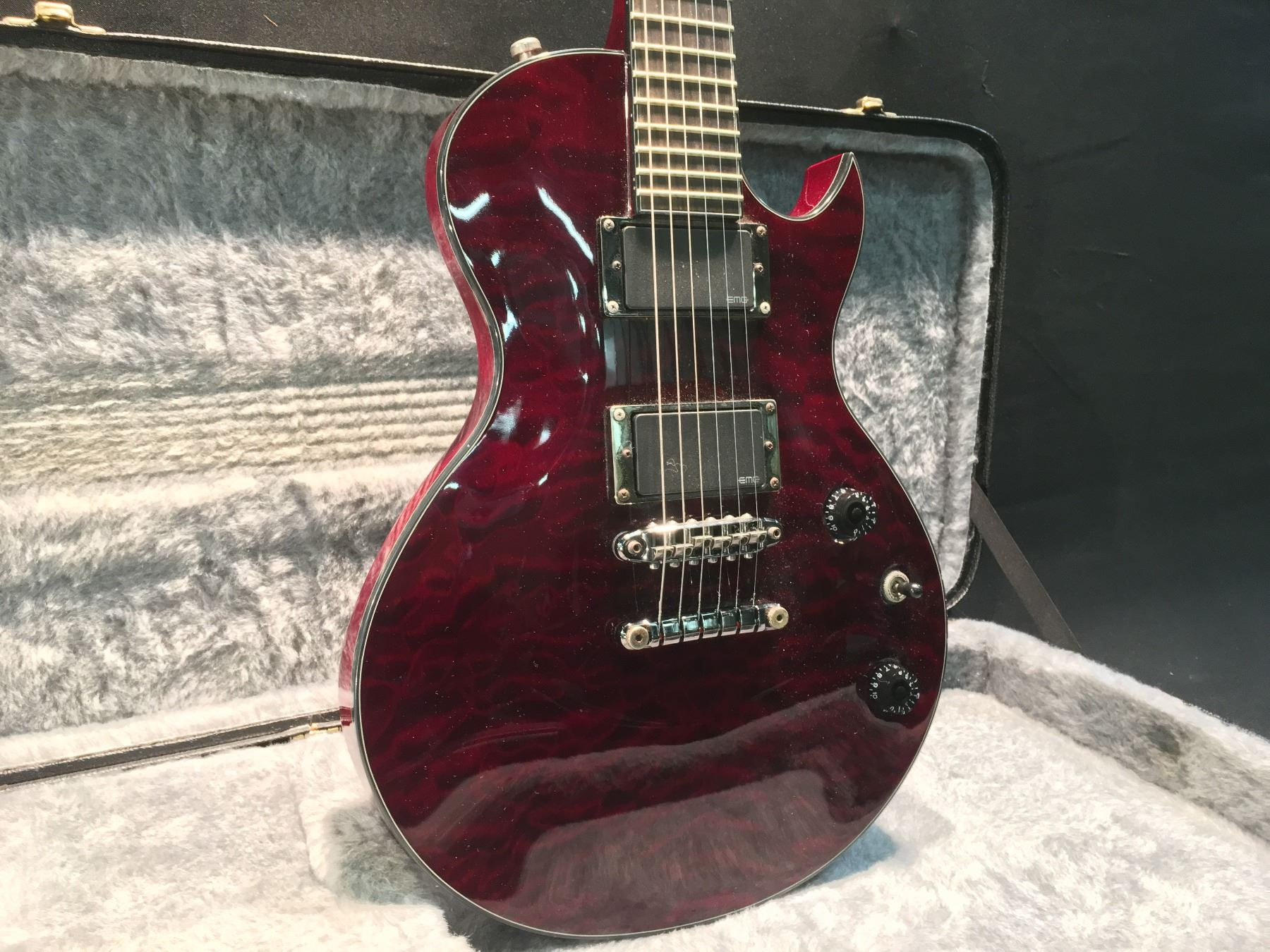Ibanez N427 Les Paul Style Electric Guitar With Emg Pickups Comes