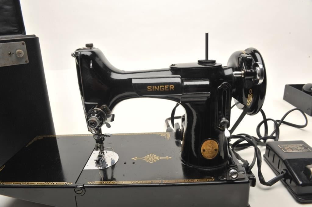 Antique Singer 4040 Catalog 4040400 Featherweight Sewing Machine In Awesome Singer Sewing Machine 221 1