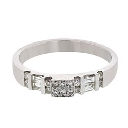 Platinum 0.39CTW Diamond Band Ring - REF-90F8N