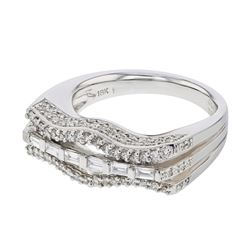 Genuine 18K WhiteGold 0.83CTW Baguette Fashion Ring - REF-155X2Y