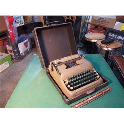 Smith Corona Typewriter W/ Carrying Case
