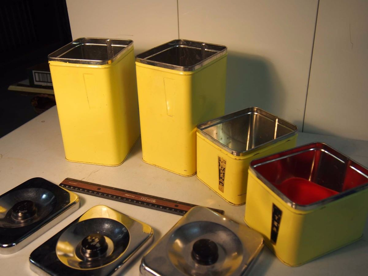 The queen line by a r lite 4 piece kitchen canister set for Kitchen set q line