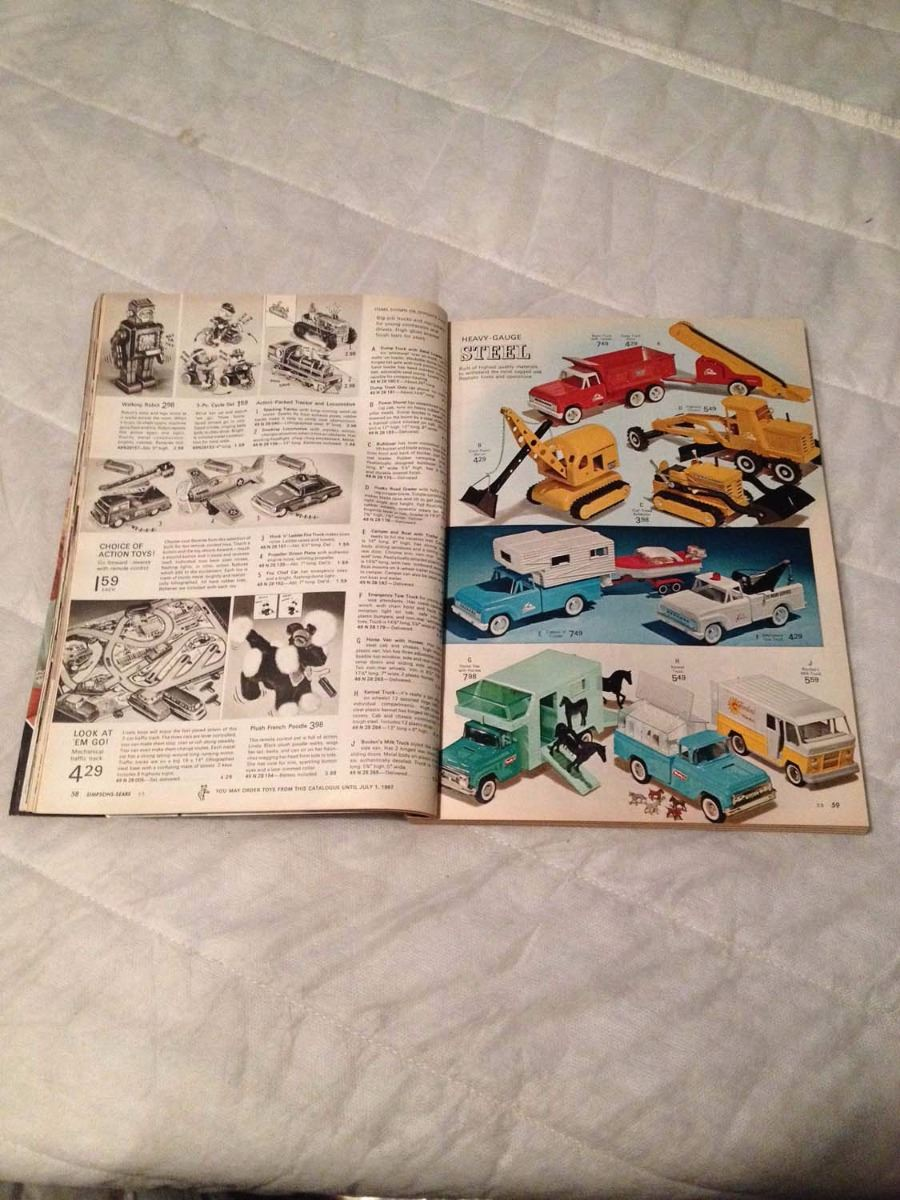 ... Image 2 : Simpsons-Sears Christmas 1966 Catalogue